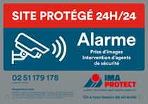 Plaque de signalisation extérieure, site protégé par la télésurveillance IMA PROTECT 24h/24